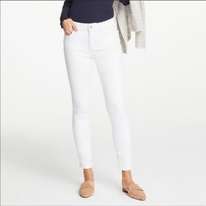 """Ann Taylor """"The Skinny"""" Ankle White Jeans sz 4"""
